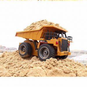 Camion radiocomandato per trasporto terra / sabbia con cassone ribaltabile RC HU-1540